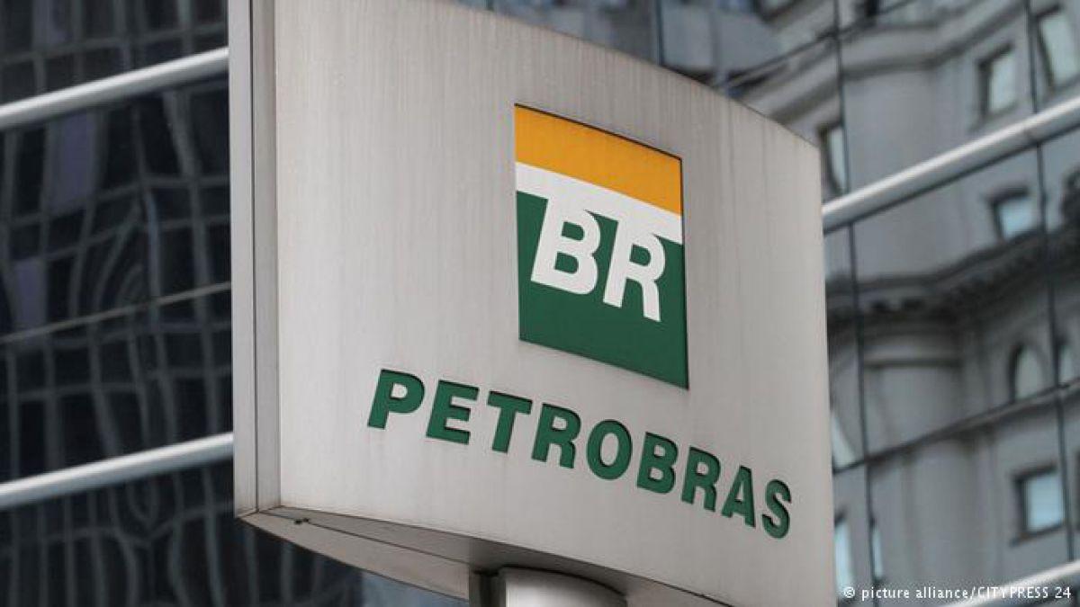 """La policía brasileña sospecha que dinero desviado de Petrobras se """"lavó"""" también con inmuebles."""