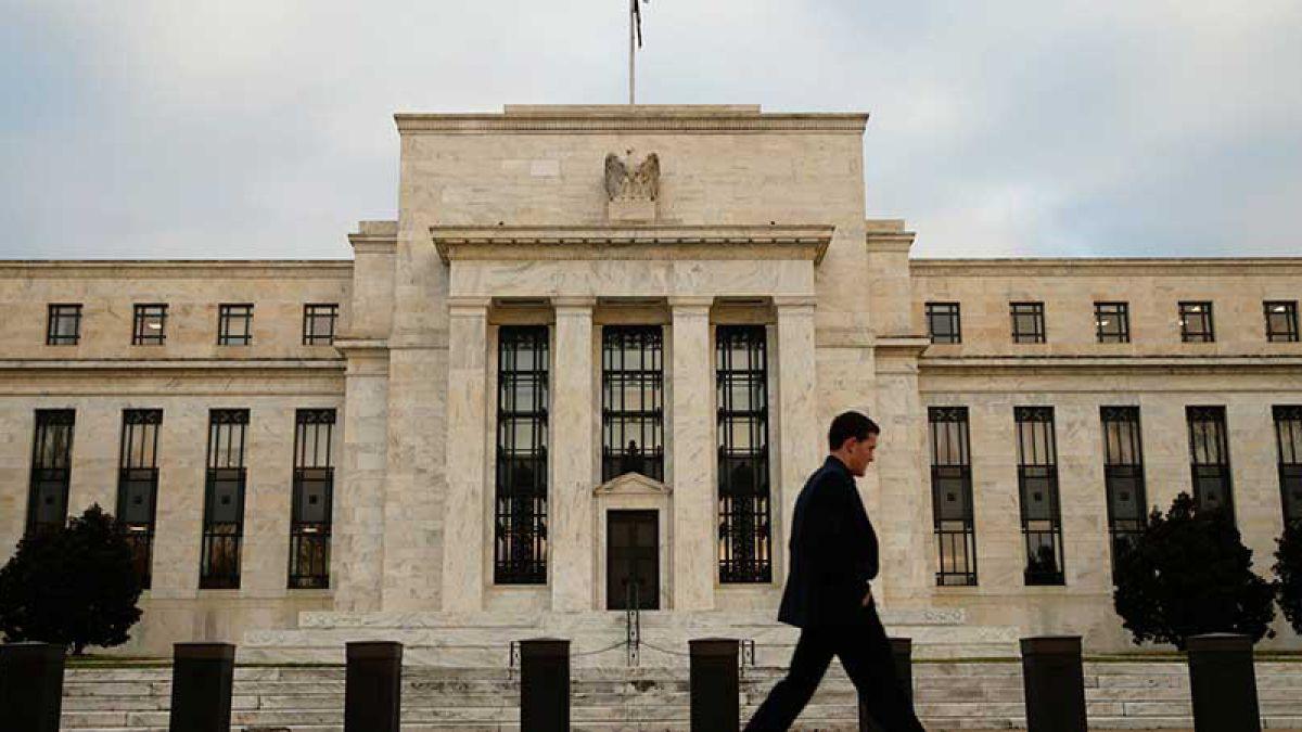 Fed apunta a un modesto crecimiento económico en Estados Unidos