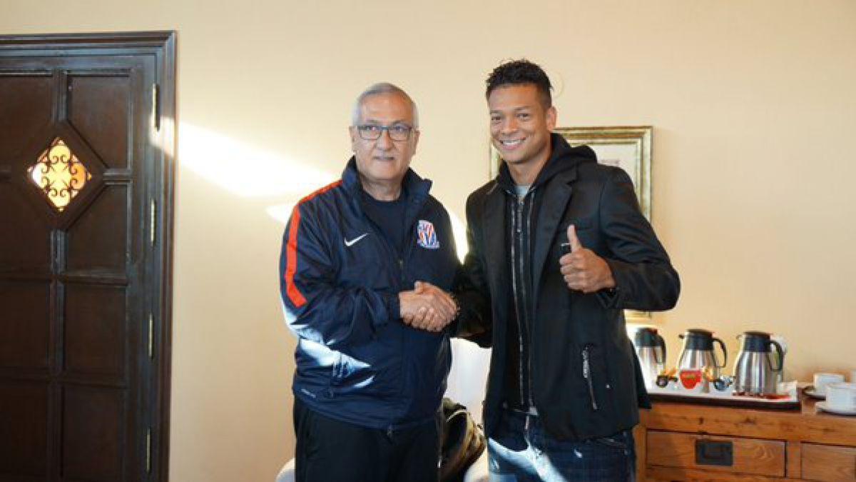 El auge de la liga china: Grandes futbolistas dejan Europa para jugar en el país asiático