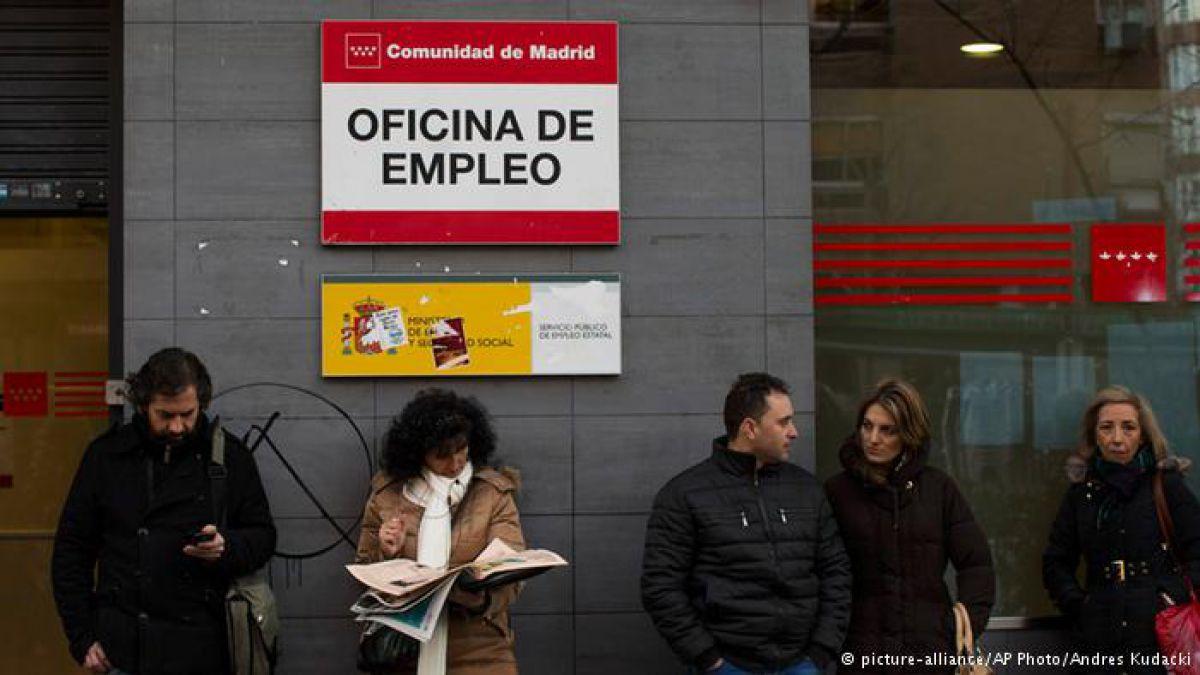 España registra en 2015 la mayor caída de desempleo de su historia