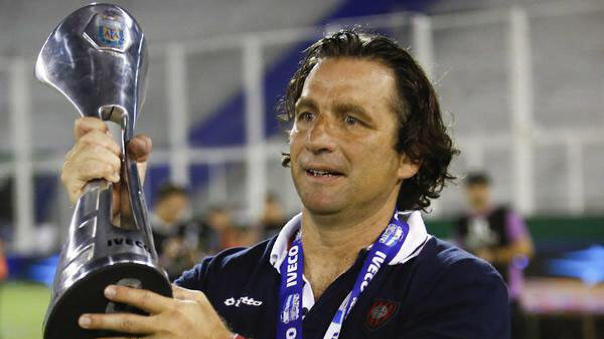 Encuesta Deportes 13 ¿Qué te parece la opción de Juan Antonio Pizzi como nuevo DT de Chile?