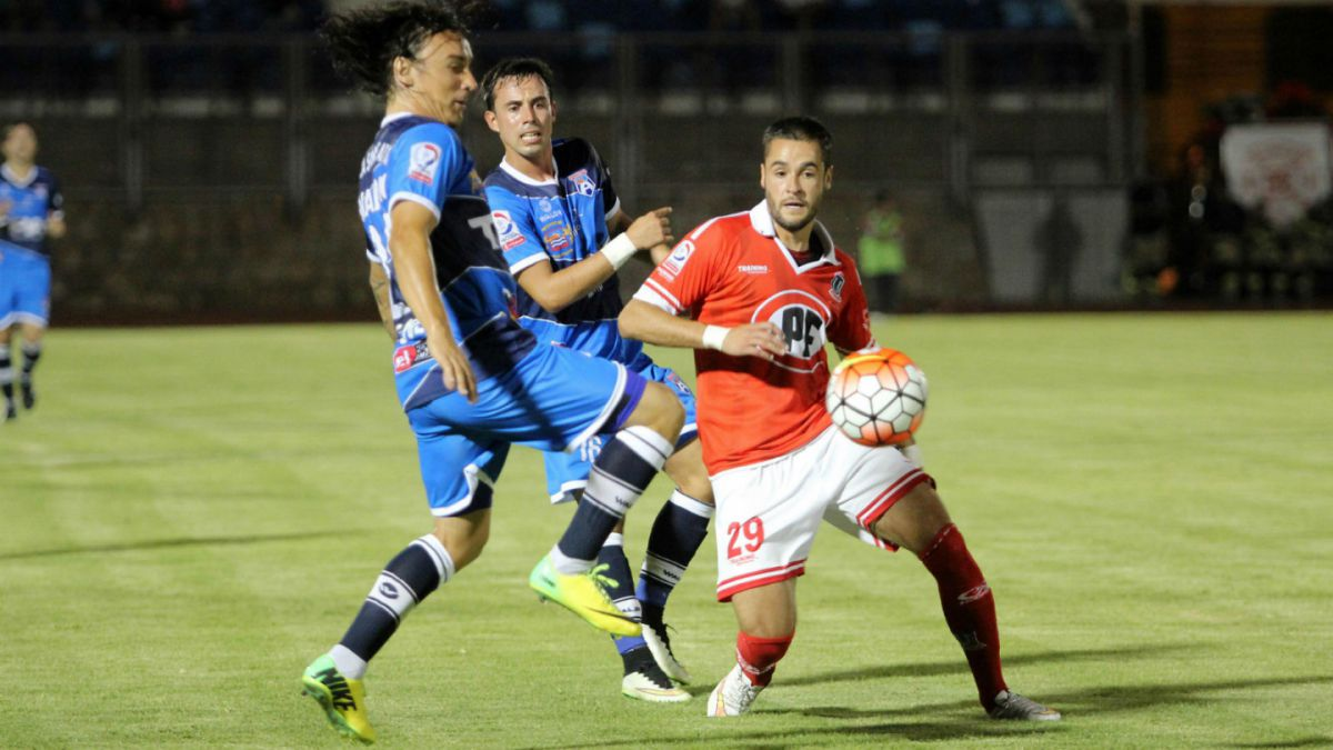 Tres puntos de oro: La Calera derrota como visitante a San Marcos de Arica