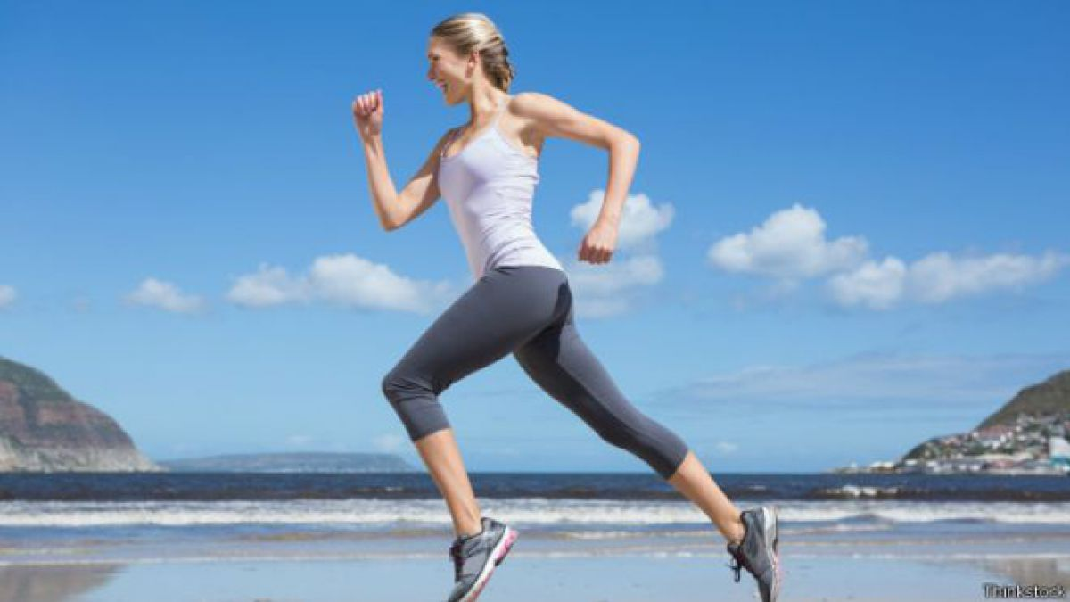 ¿Es mejor correr al aire libre o en una trotadora?