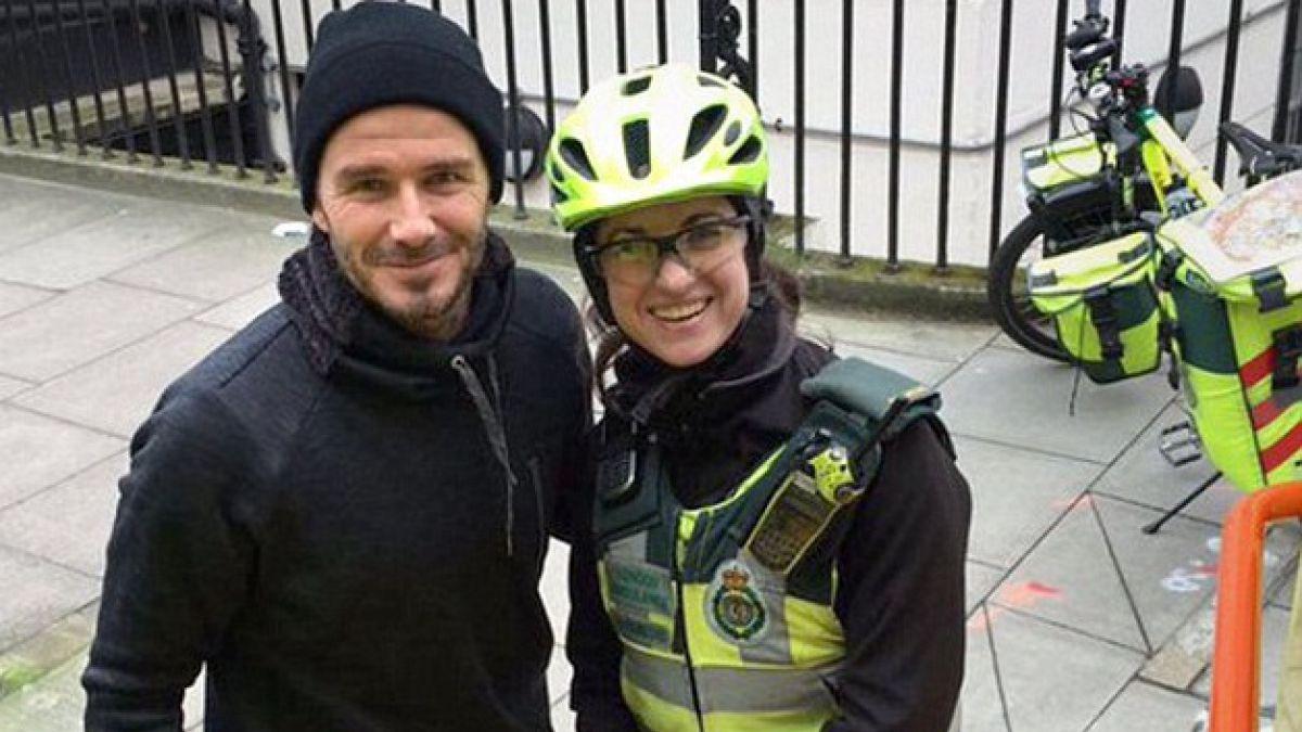 David Beckham hace de buen samaritano y sorprende a paramédico en Londres