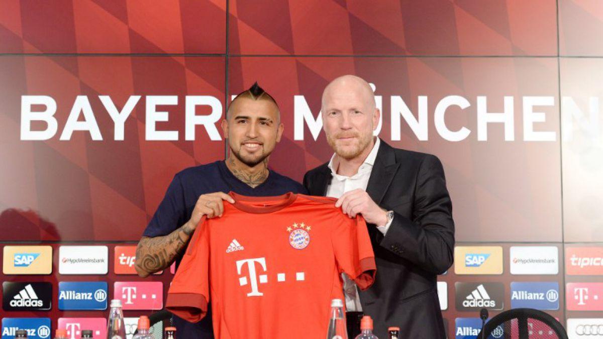 """Director del Bayern defiende a Vidal y apunta a diario alemán: """"Todo es absolutamente falso"""""""