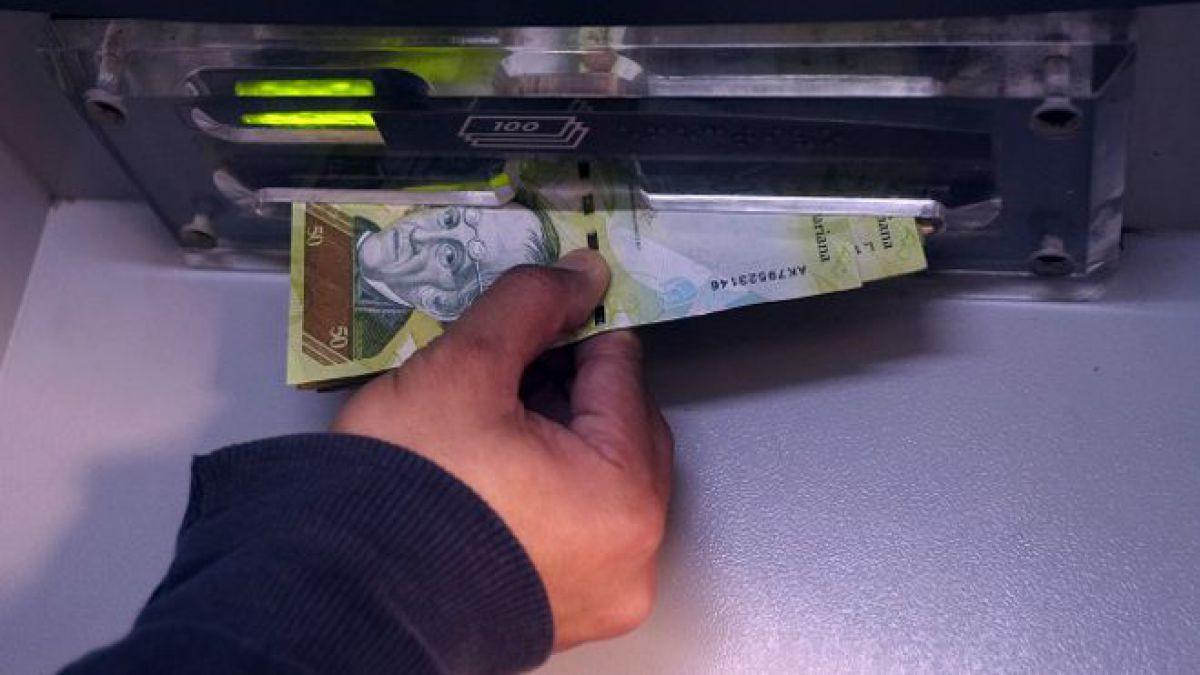 El dólar paralelo venezolano cruza la barrera psicológica de los 1.000 bolívares
