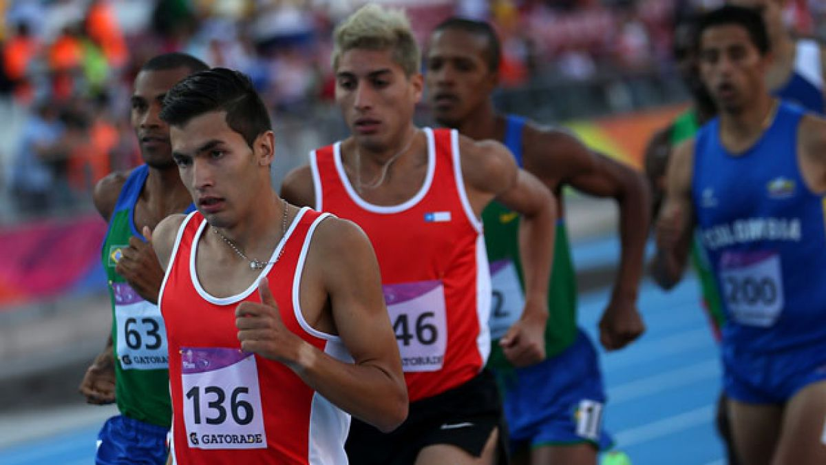 Carlos Díaz logra récord chileno y sudamericano en 1.500 metros planos indoor