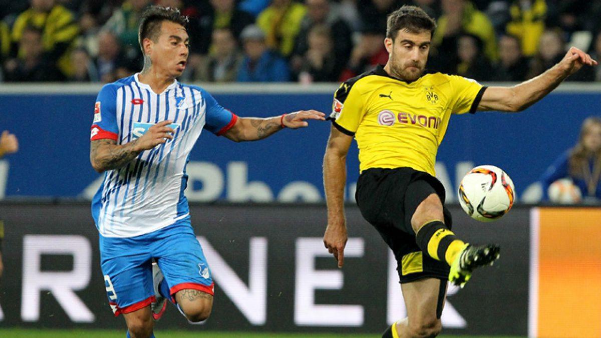 Técnico de Eduardo Vargas deja la banca de Hoffenheim por razones de salud