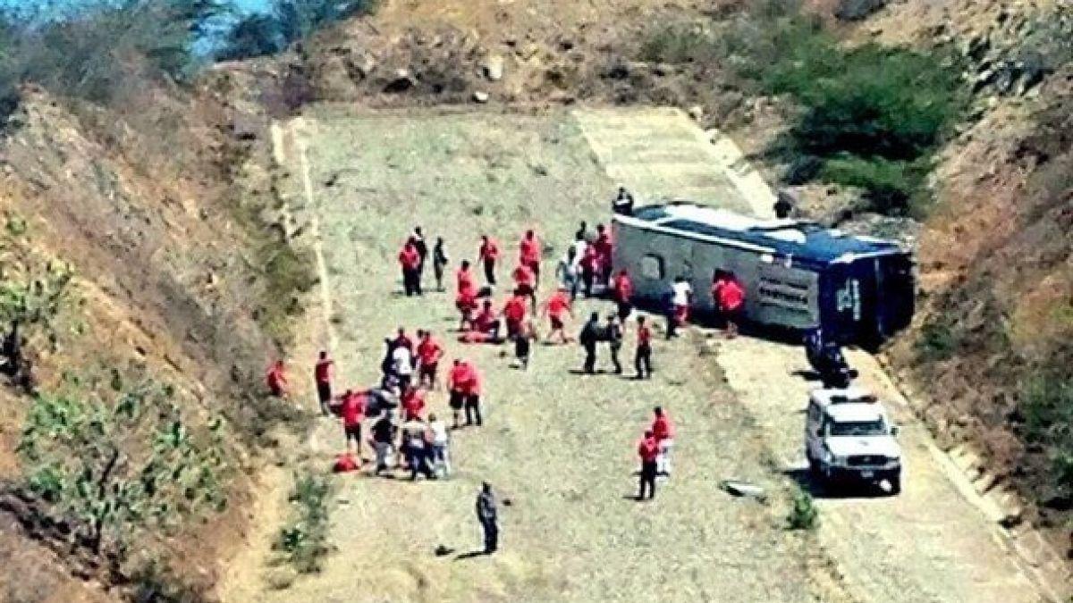 Bus que trasladaba a plantel de Huracán sufrió accidente en Venezuela