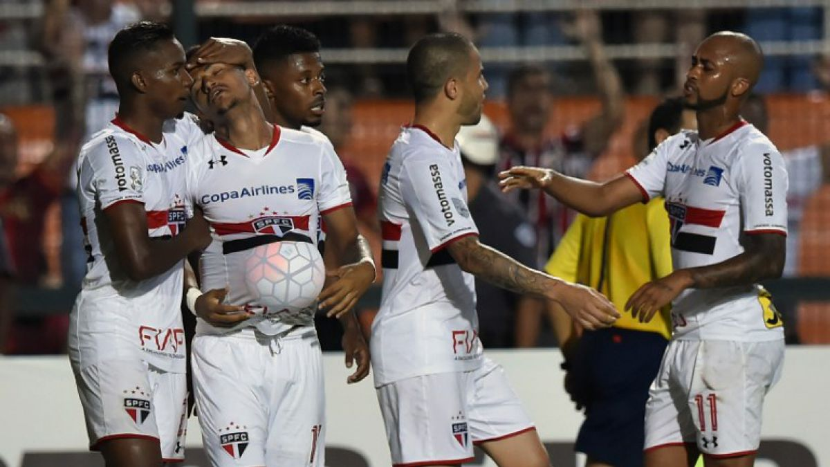 Sao Paulo con Eugenio Mena gana y clasifica a fase de grupos de Copa Libertadores
