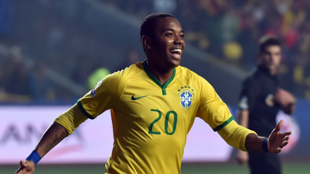 Robinho regresa a Brasil y ficha por rival de Colo Colo en Copa Libertadores