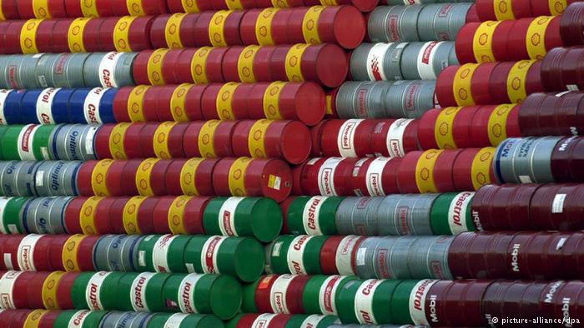 Ocho razones del desplome del precio del petróleo y de por qué ha cambiado el mercado para siempre.