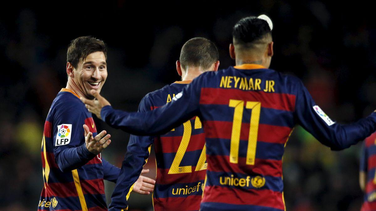 [VIDEO] Prensa deportiva mundial alaba penal de Messi y Suárez y lo tildan de Show Total