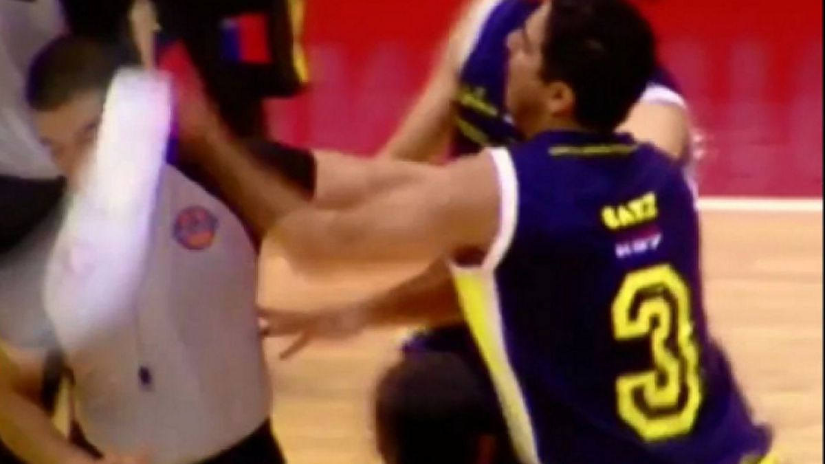 [VIDEO] Dirigencia de BasketUdeC aclara situación de Patrick Sáez tras agredir a árbitro