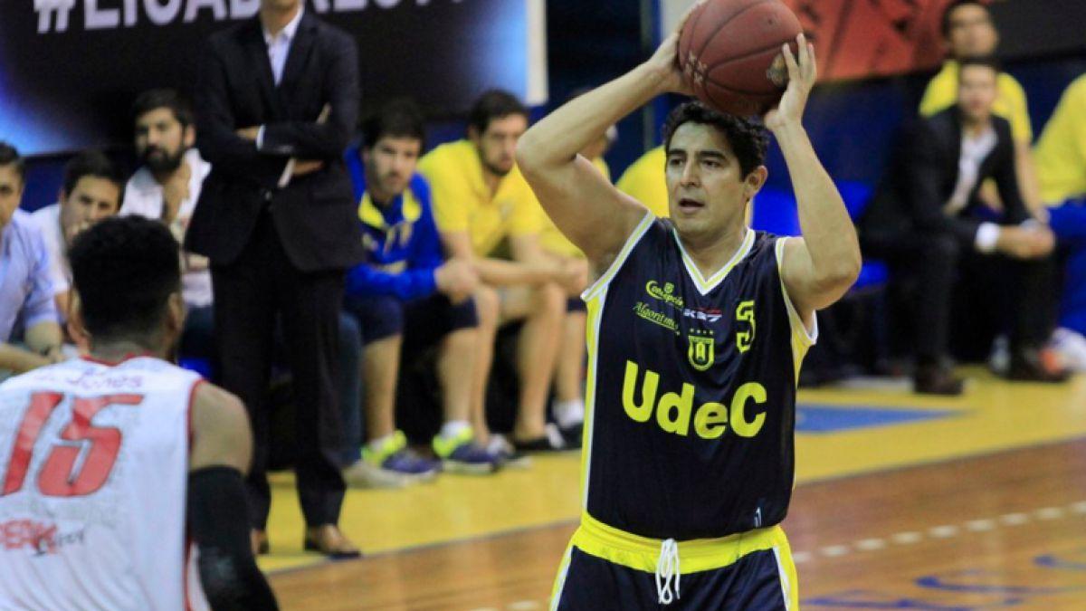 Basquetbolista Patrick Sáez renuncia a la U. de Concepción tras incidente con árbitro