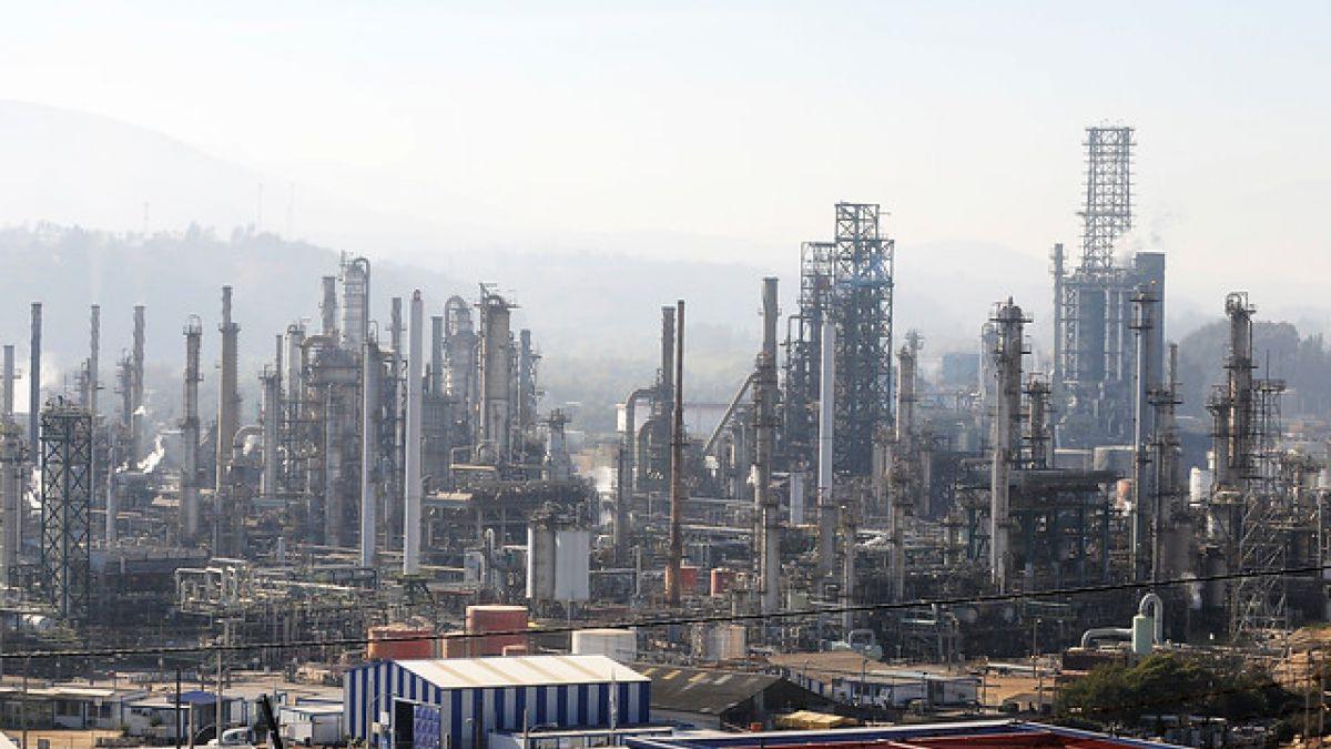 ENAP anuncia el cierre temporal de 49 pozos por baja en el valor del petróleo