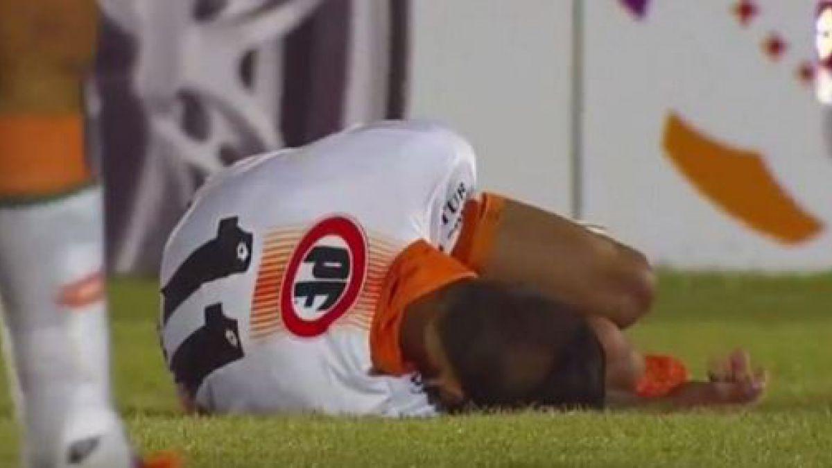 Jugador de Cobresal sufre grave lesión ante Corinthians
