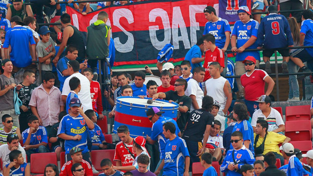 """Autorizan ingreso de bombo al estadio para duelo entre la """"U"""" y Audax Italiano"""