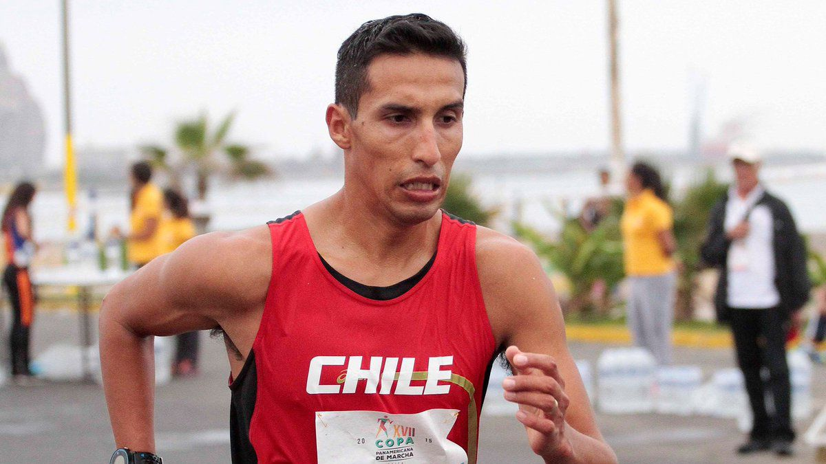 Atleta Yerko Araya bate récord de Chile en marcha y clasifica a JJ.OO.