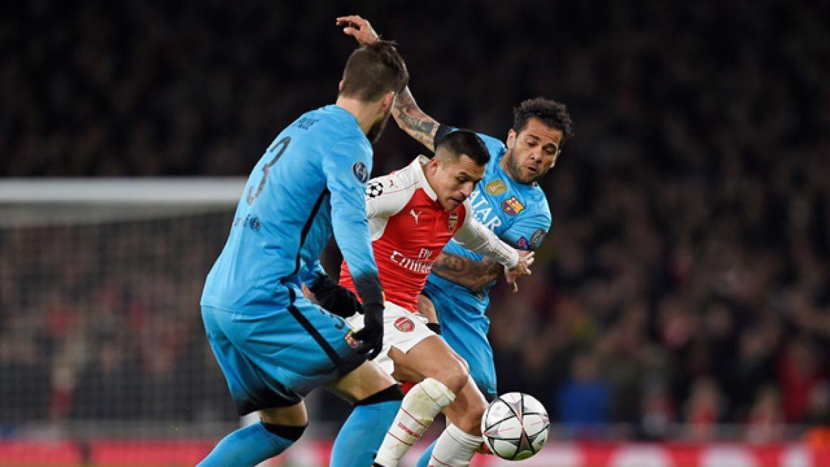 Ex delantero de Arsenal FC pide dejar fuera a Alexis del duelo ante FC Barcelona