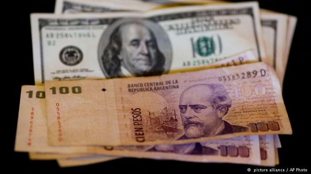 Incertidumbre por cotización del peso argentino pese a acuerdo de Macri con el FMI