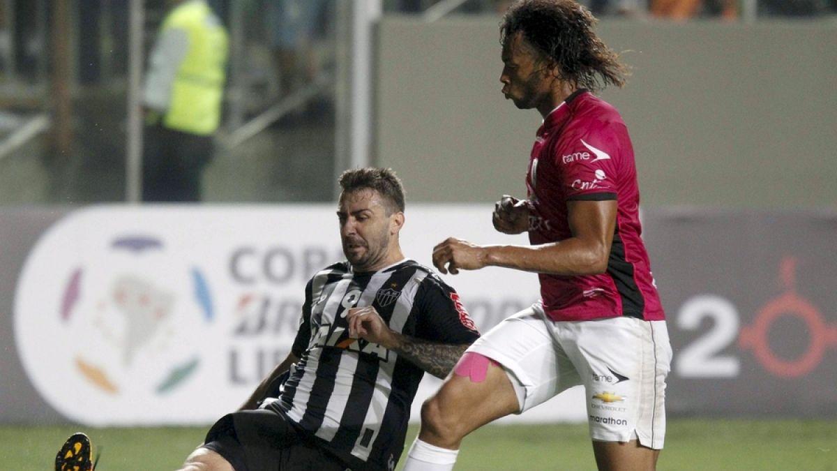 Atlético Mineiro derrota a  Independiente del Valle y lidera grupo de Colo Colo