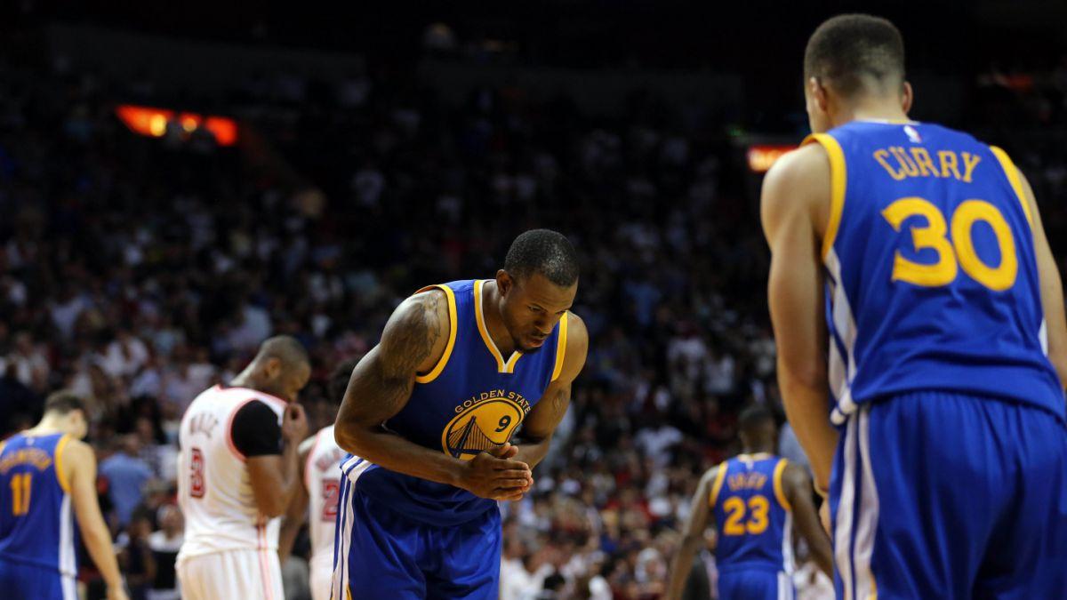 Warriors y Cavaliers mantienen paso ganador en la NBA
