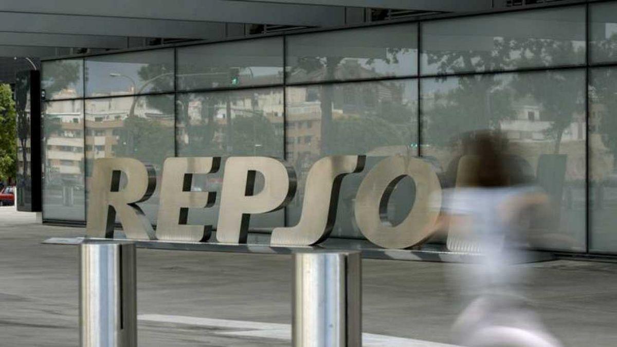 Repsol anuncia pérdida de más de 1.200 millones de euros en 2015