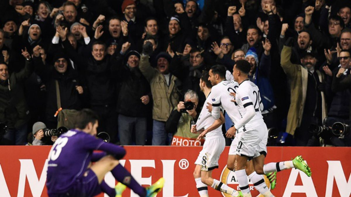 Fiorentina de Fernández pierde como visitante y queda eliminada de la Europa League