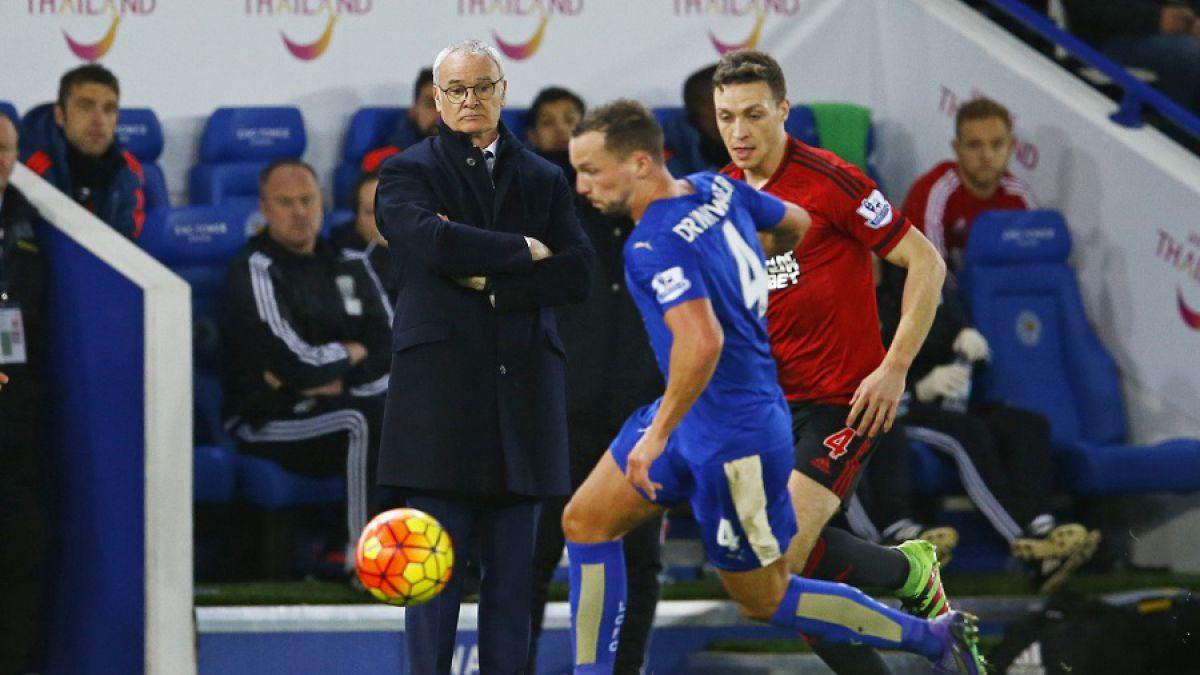"""Leicester empata en casa y pone """"al rojo"""" lucha por el liderato en la Premier"""