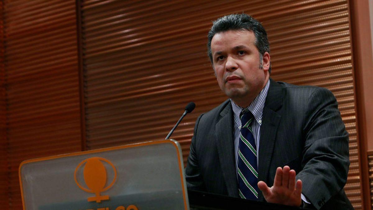 Presidente de Codelco proyecta que precio del cobre seguirá cayendo