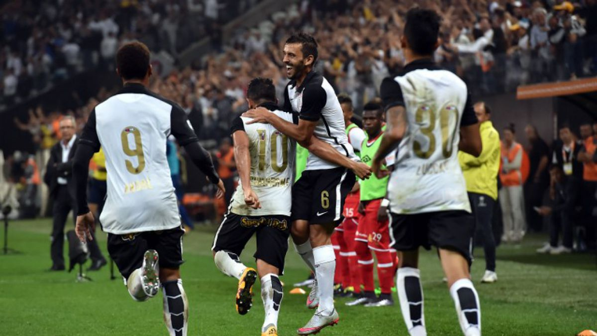 """Corinthians vence a Santa Fe y le da """"una mano"""" a Cobresal en Copa Libertadores"""