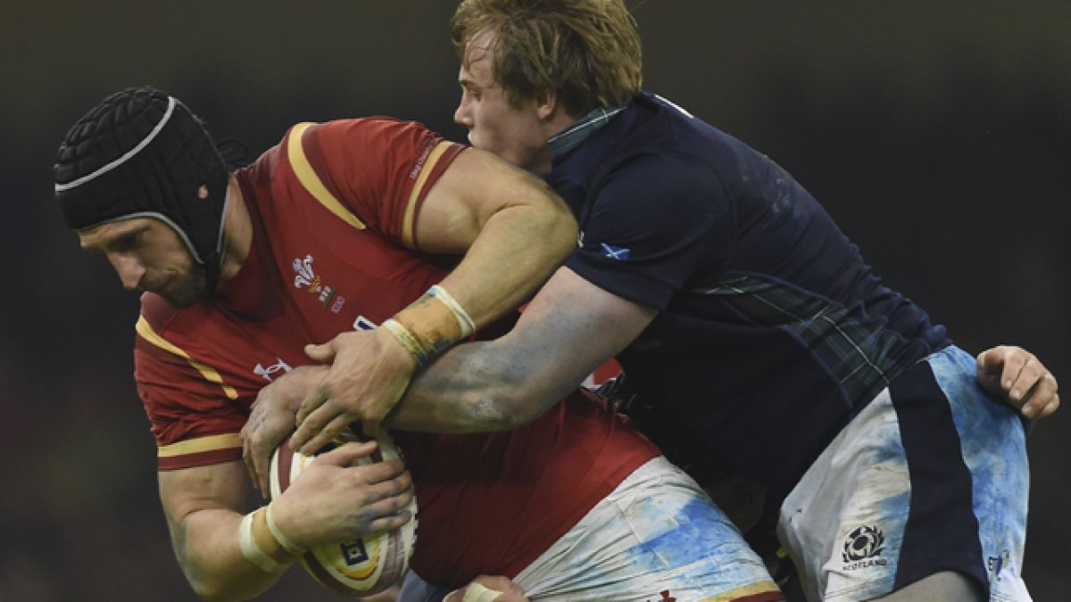 Médicos británicos quieren prohibir los tackles en el rugby escolar