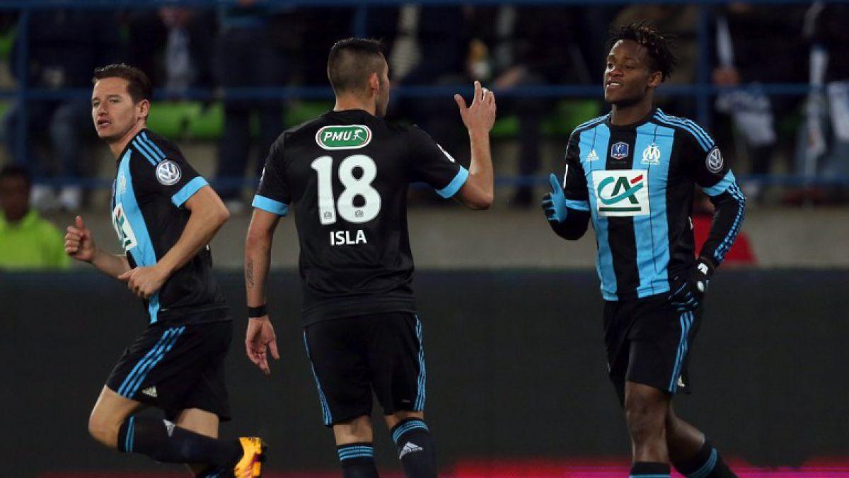 Marsella con Isla vence a equipo de 5° División y accede a semis de la Copa de Francia