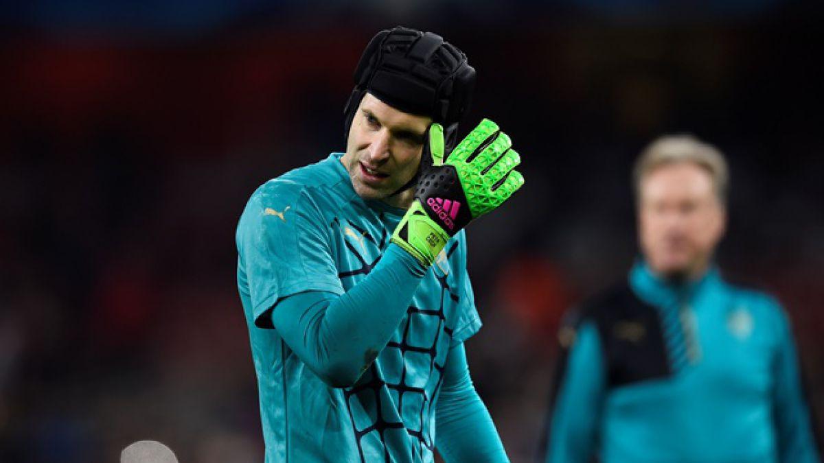 Petr Cech sufre lesión y no podrá estar para el partido ante el Barcelona por Champions