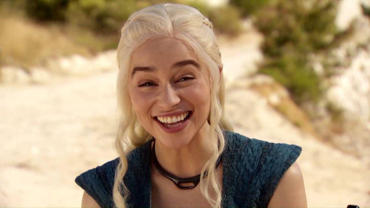 Emilia Clarke De Game Of Thrones Posó Borracha Para Esquire Tele 13