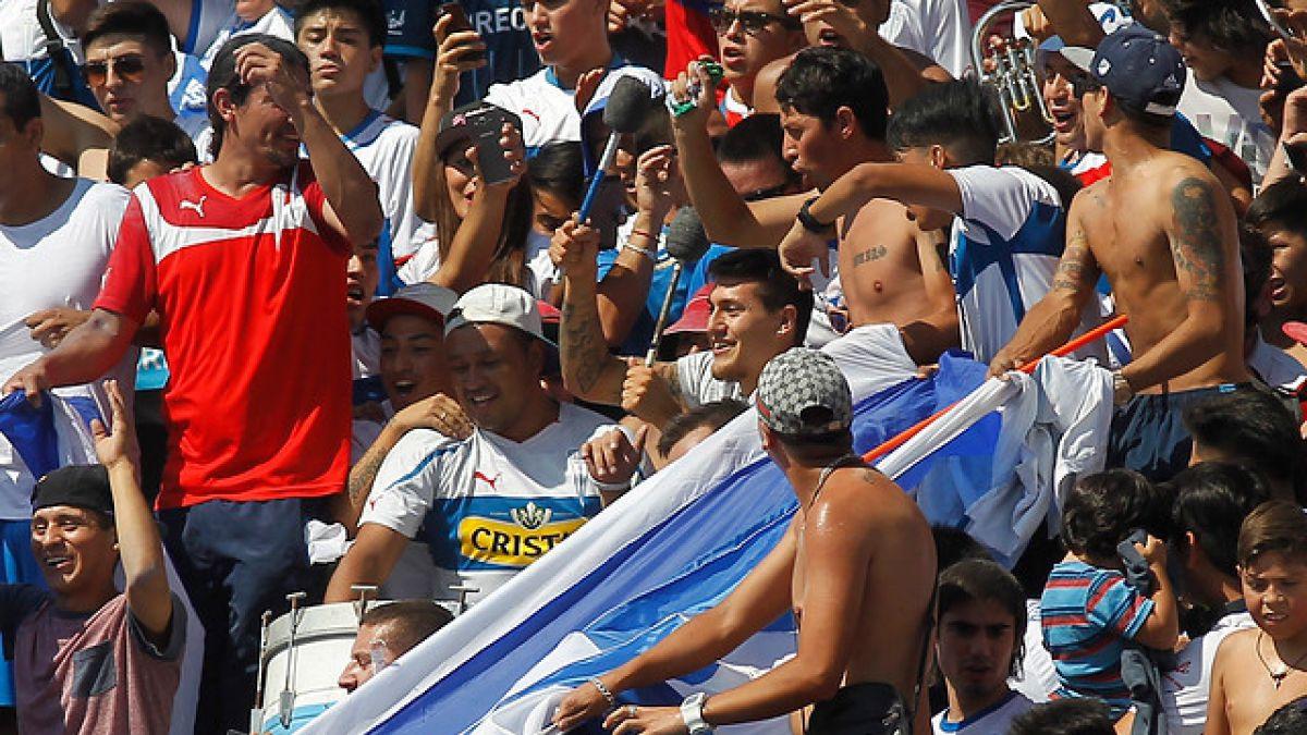 """[VIDEO] Nicolás Castillo sorprende tocando el bombo en """"banderazo"""" de la UC"""