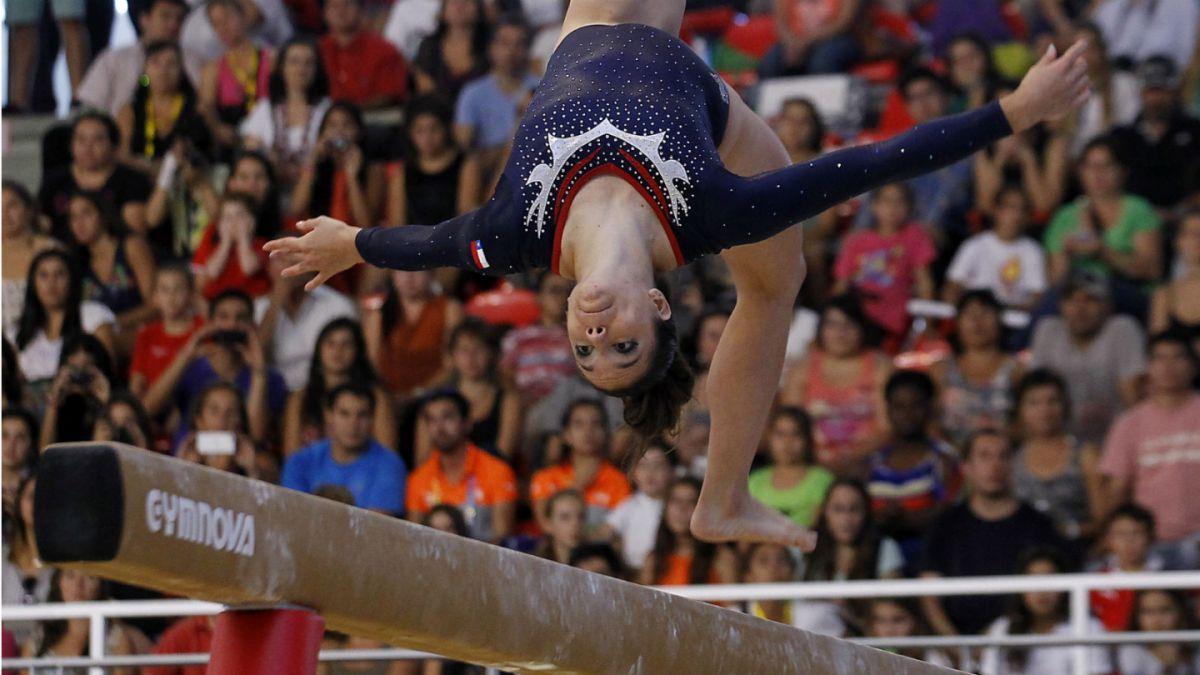 Simona Castro suma dos medallas en Copa del Mundo de Gimnasia