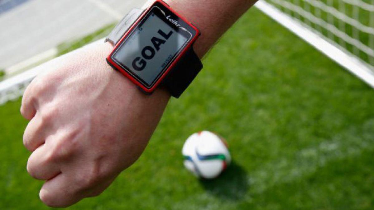 El fútbol toma una decisión histórica: probar la tecnología de video para acabar con polémicas