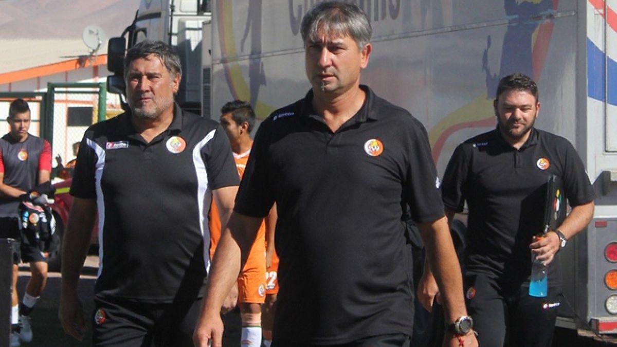 """Dalcio Giovagnoli: """"Pudimos empatar en el final, pero quedamos muy expuestos"""""""