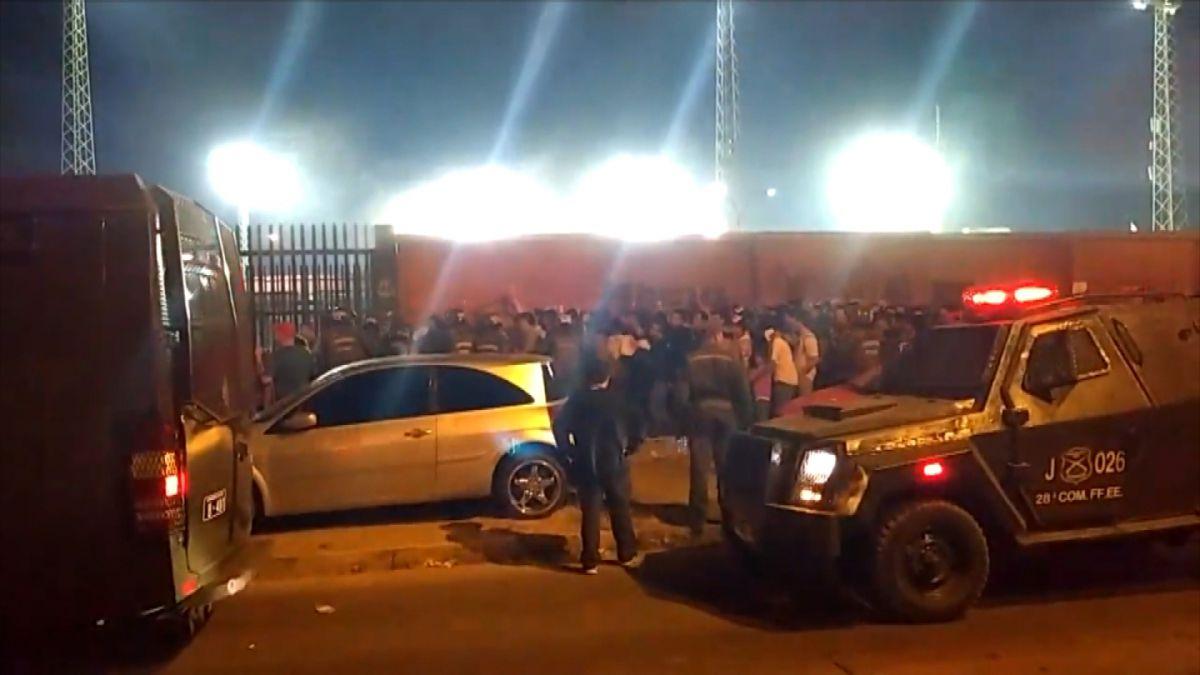 """Abonado tras caos en ingreso al Monumental: """"Había un bus apretando a toda la gente"""""""