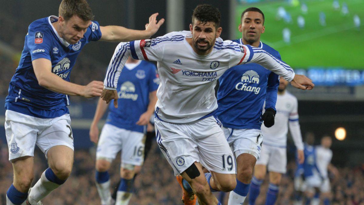 Jugador de Everton asegura que Diego Costa no lo mordió