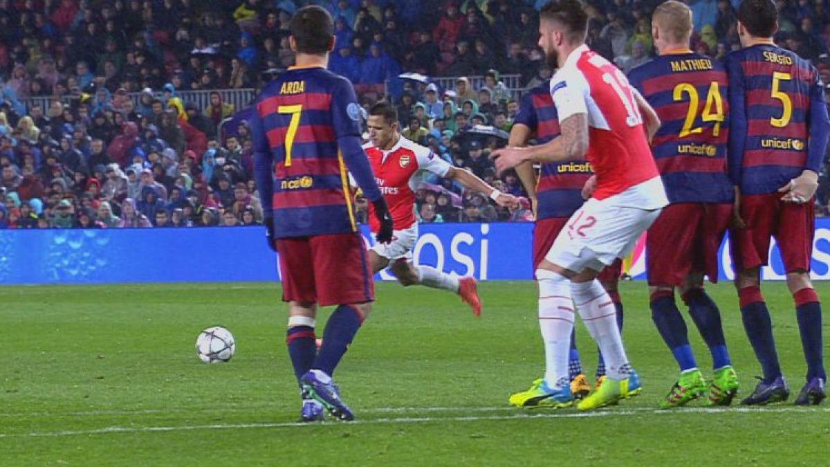 [VIDEO] Alexis Sánchez un peligro para el Barcelona: dio pase gol y pudo anotar de tiro libre