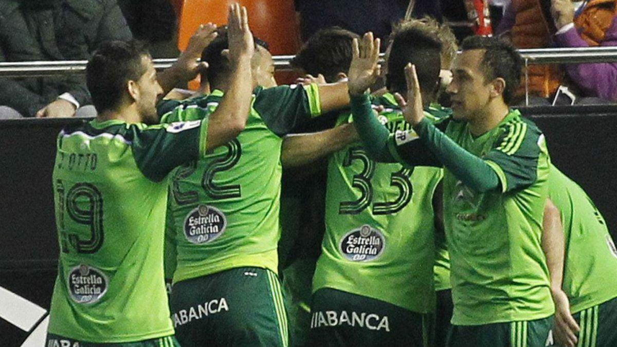 [VIDEO] Celta derrota a Valencia gracias a una notable habilitación de taco de Fabián Orellana