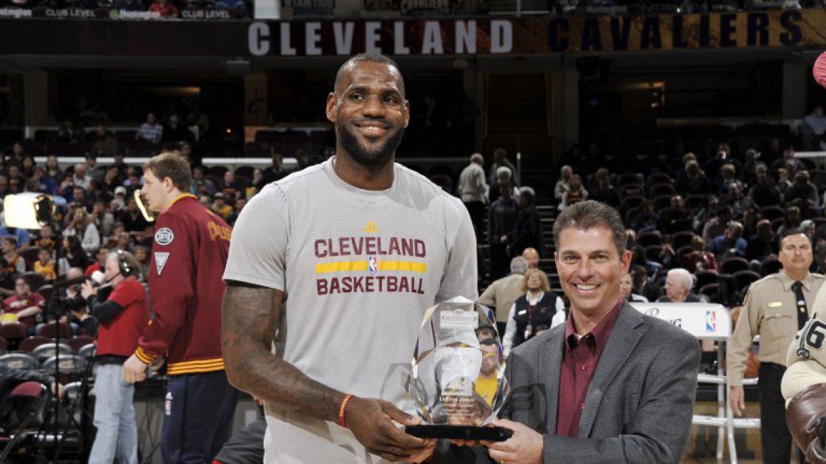 """LeBron logra """"triple-doble"""" en triunfo de Cavaliers sobre los Nuggets en la NBA"""
