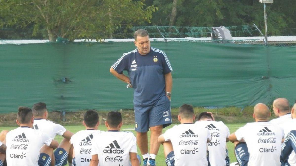 Argentina viaja hoy a Chile y DT Martino tiene prácticamente definida la oncena titular