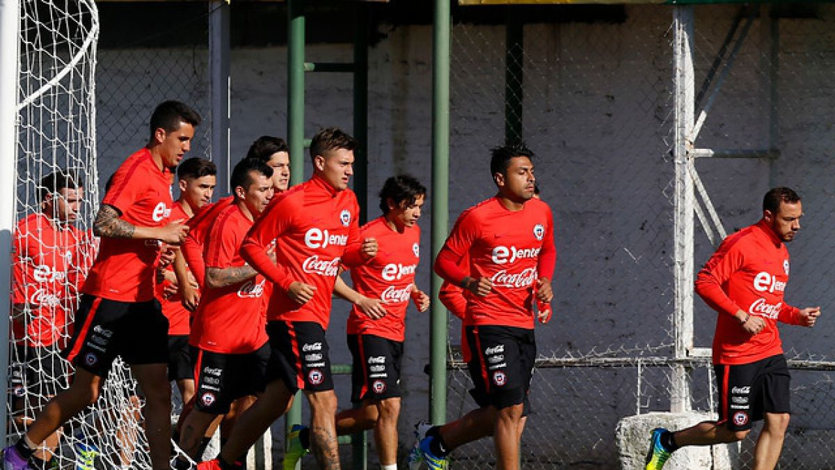 """""""La Roja"""" realiza suave práctica matinal y Pizzi ya define formación ante Argentina"""