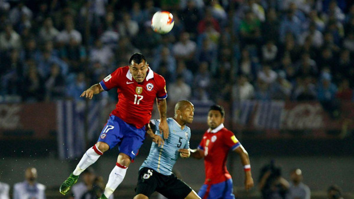 Gonzalo Jara y Gary Medel entran al ranking de jugadores con más partidos por La Roja