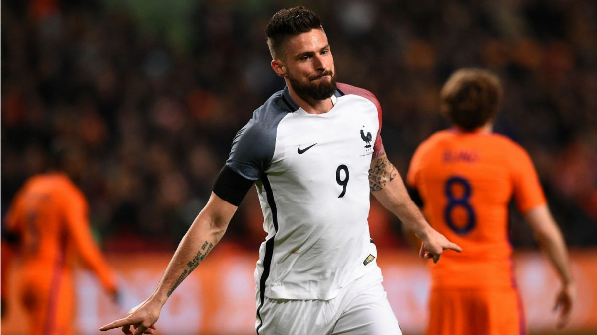 Francia derrota a Holanda en amistoso marcado por tributo a Johan Cruyff