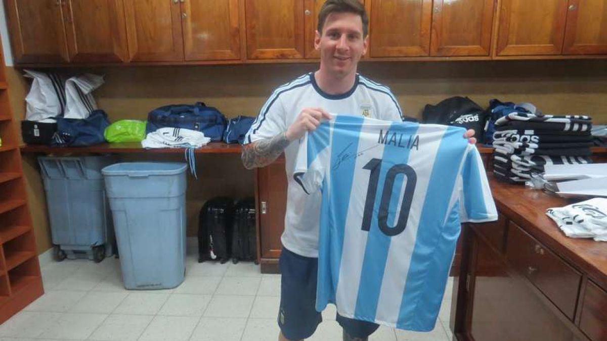 Messi envía de regalo dos camisetas de Argentina a las hijas del presidente Barack Obama